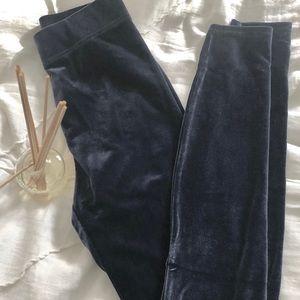 Madewell Pants - •NEW• Madewell velvet leggings
